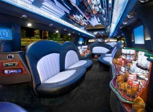 Lincoln-strech-limo-service-san-diego-interior